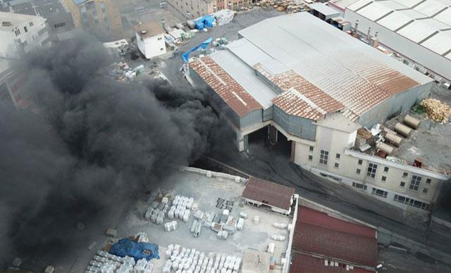 Beylikdüzü Sanayi Sitesi'nde korkutan yangın