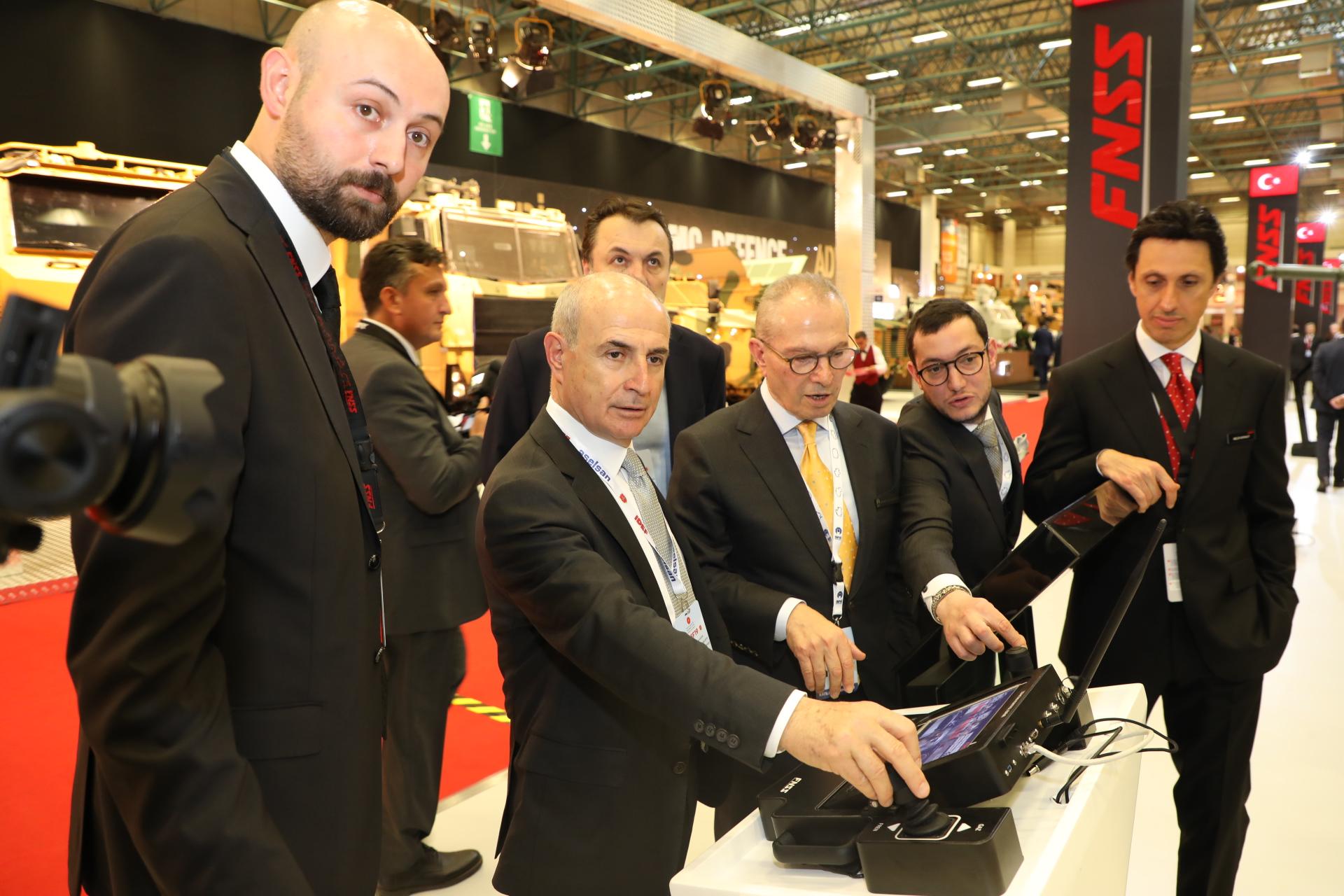 Başkan Akgün, IDEF 2019'un açılış törenine katıldı