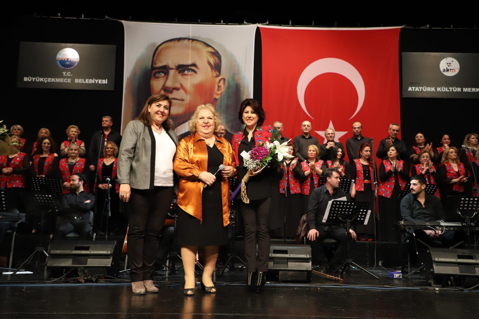 Türkü severler Büyükçekmece'de nostaljiye yolculuk yaptı