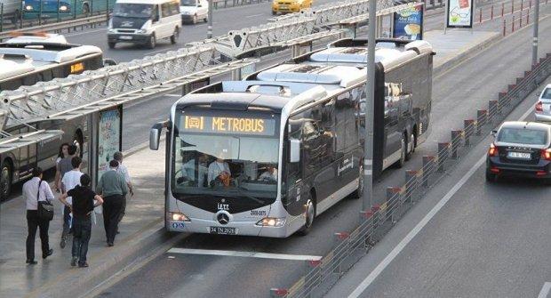 Metrobüste cinsel saldırı: Mide bulandıran olay