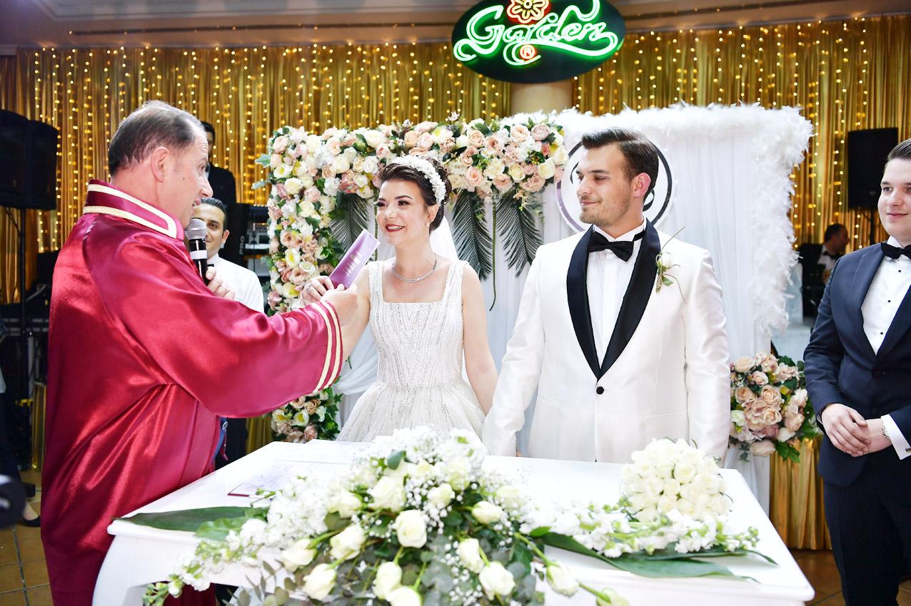 Mehmet Murat Çalık ilk nikahını kıydı