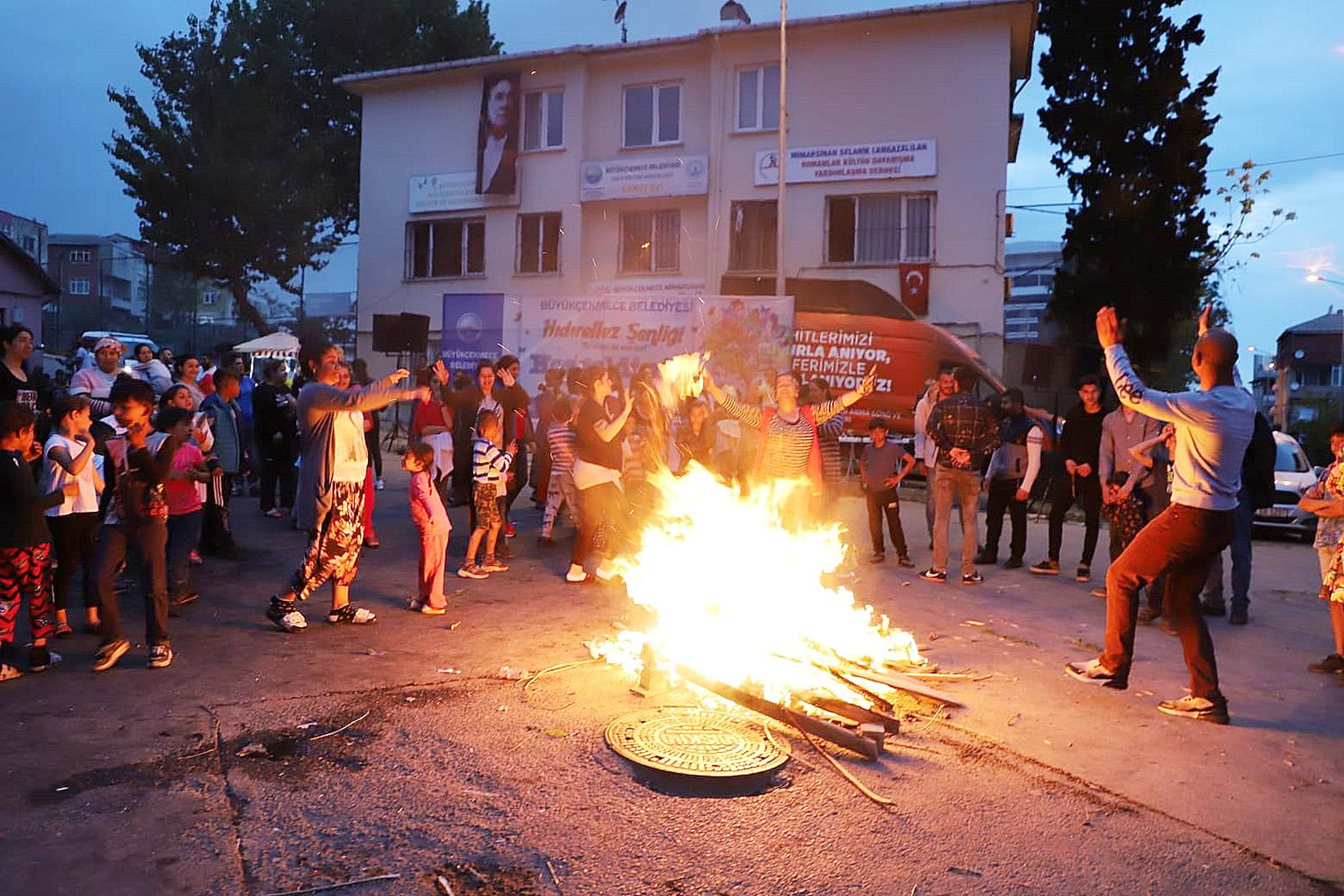 Büyükçekmeceliler Hıdırellez'i büyük bir coşkuyla kutladı