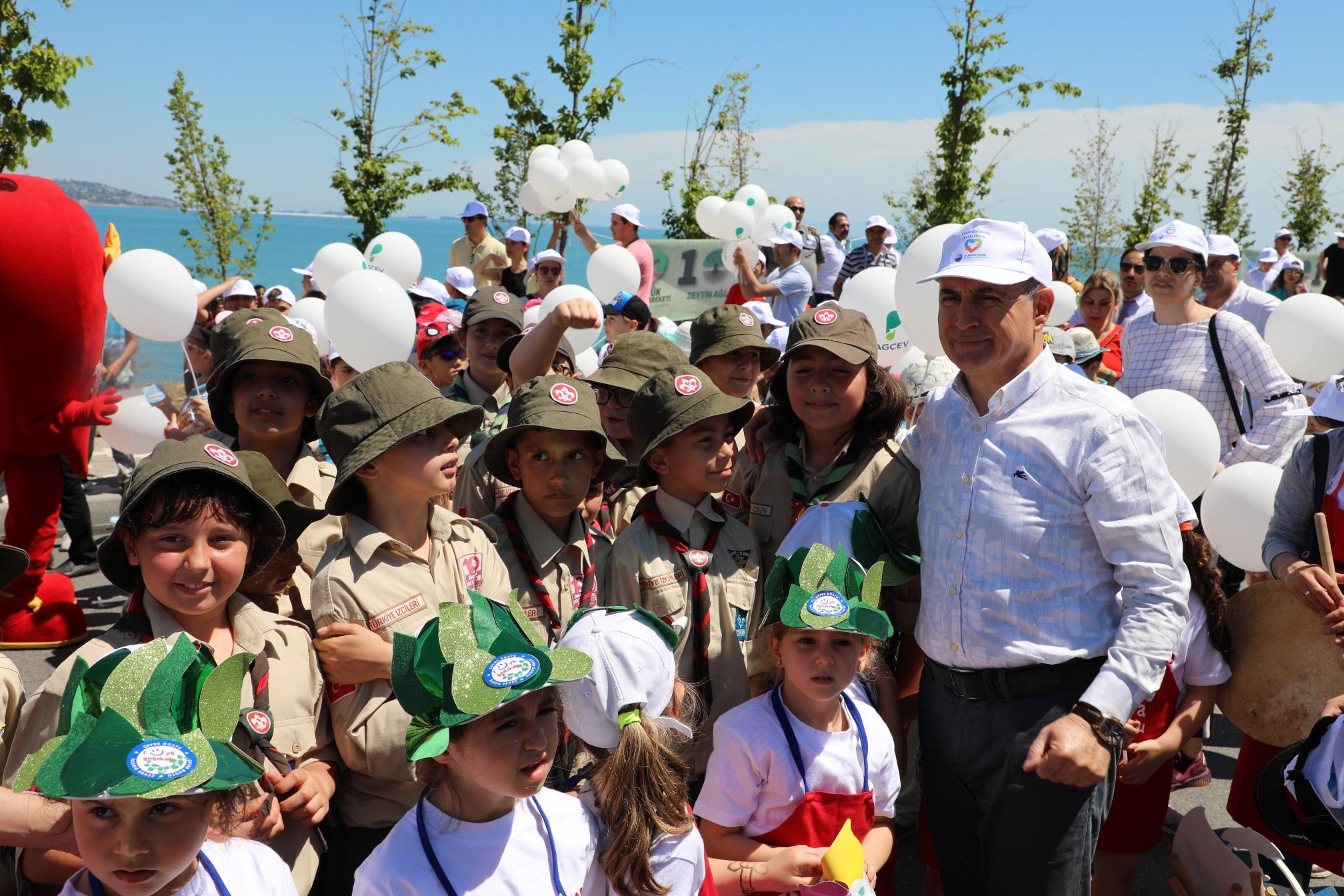 """Akgün: """"1001 zeytin ağacını Büyükçekmece çocuklarına hediye ediyoruz"""""""