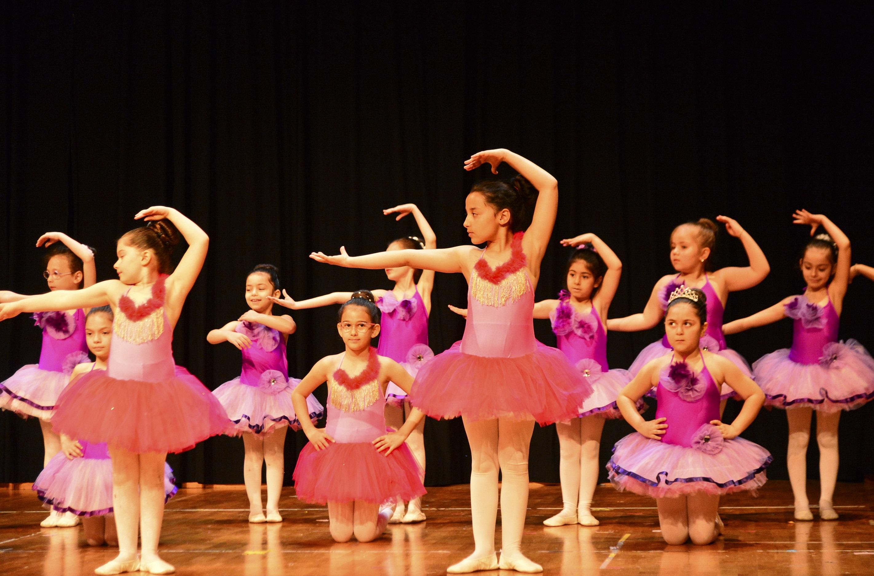 Kültürsem dans gruplarından muhteşem final