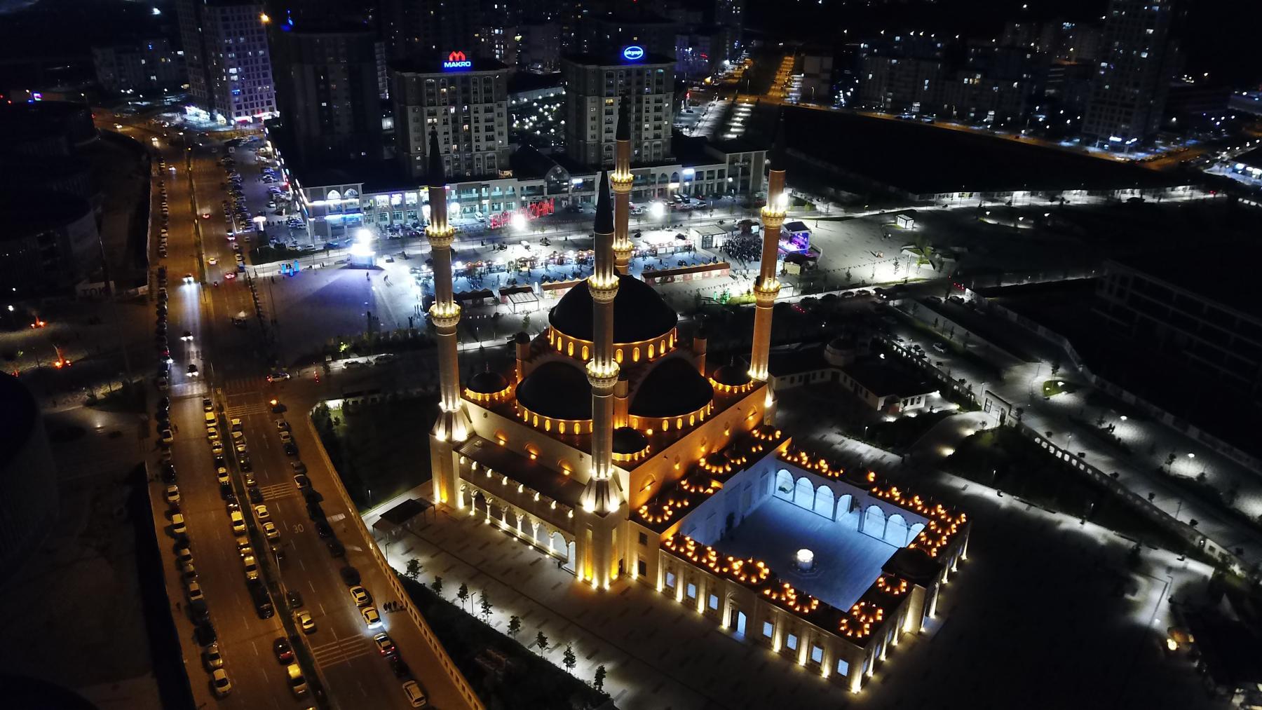 Ramazan Başakşehir'de bir başka güzel