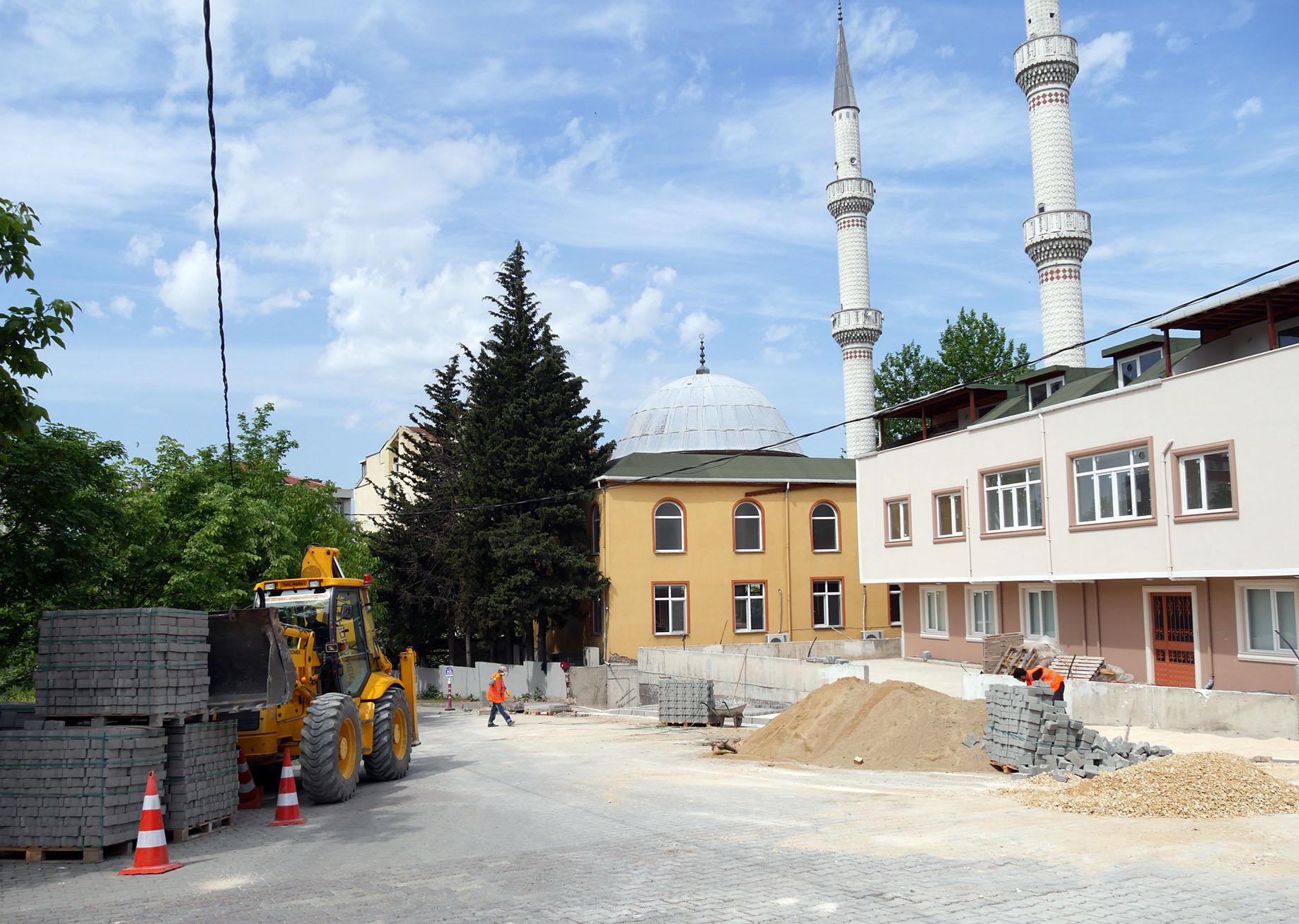 Büyükçekmece Belediyesi, camilerin tüm eksikliklerini gideriyor
