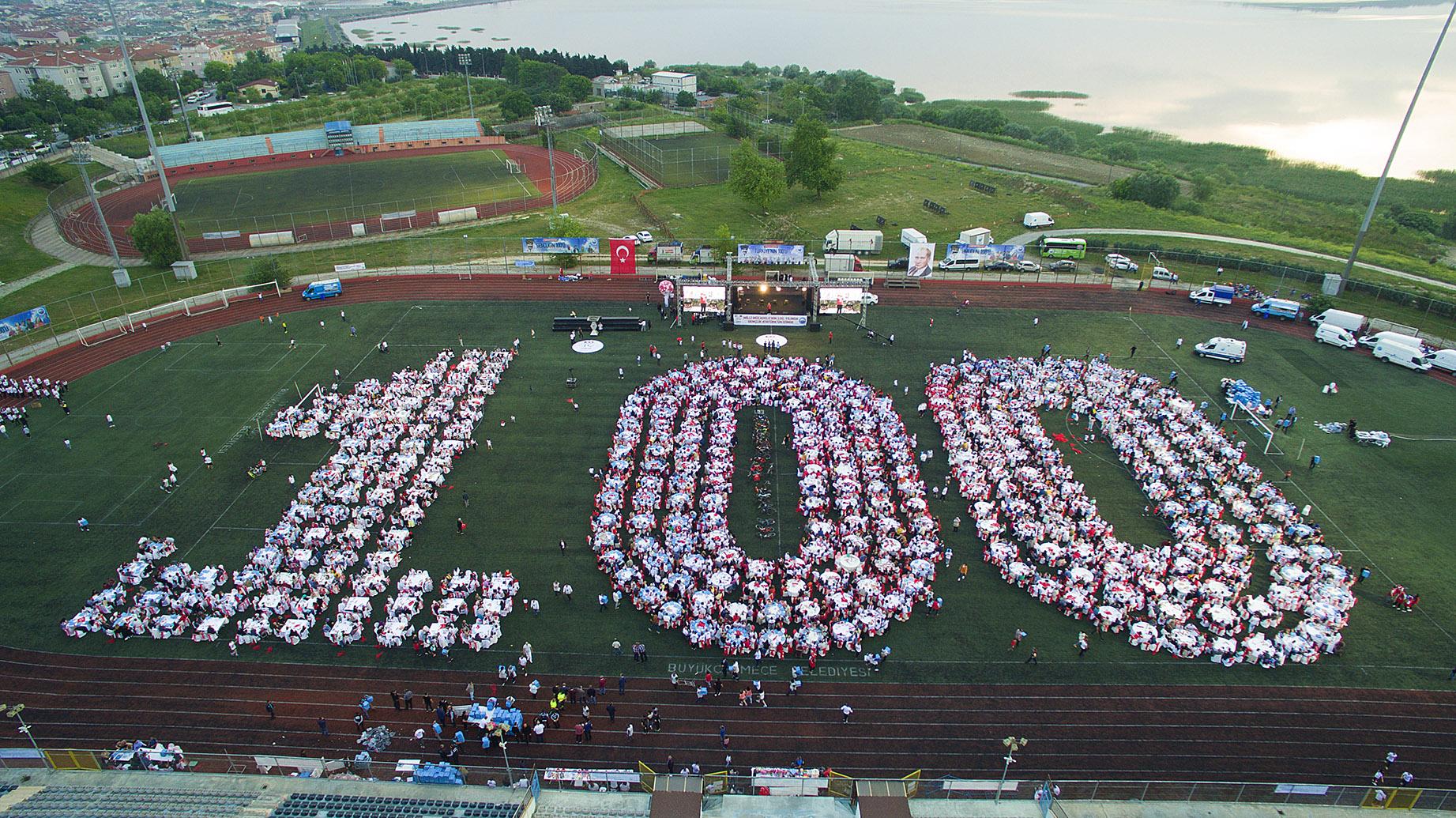 Büyükçekmece'de 19 Mayıs'ın 100. yılına yakışan kutlama