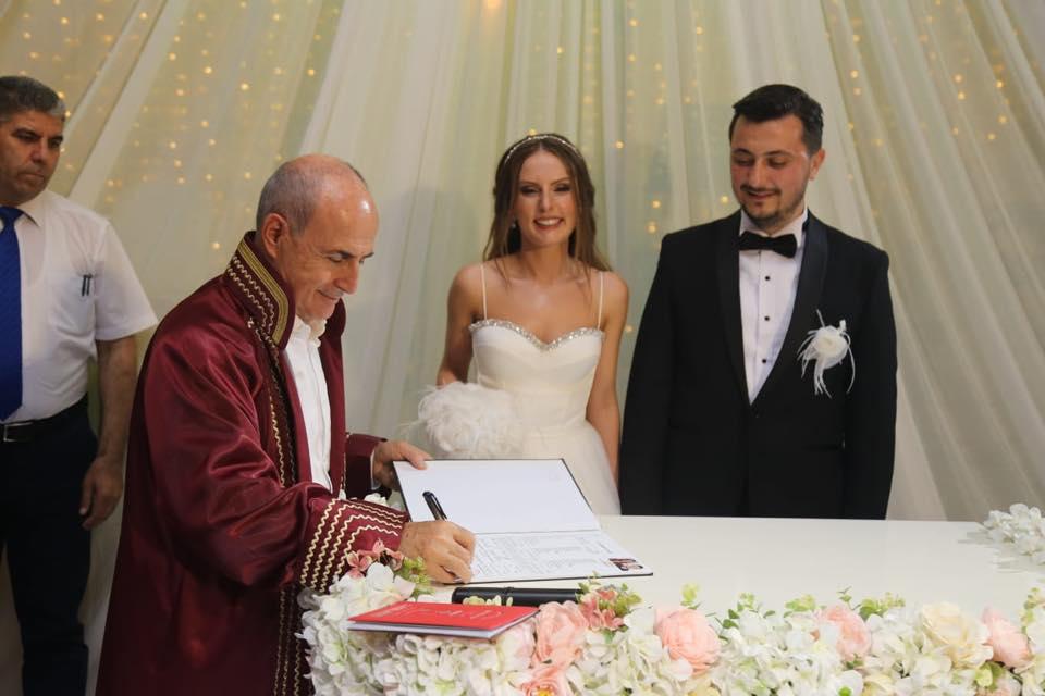 Akgün, meclis üyesi Kerem Ereke'nin nikahını kıydı