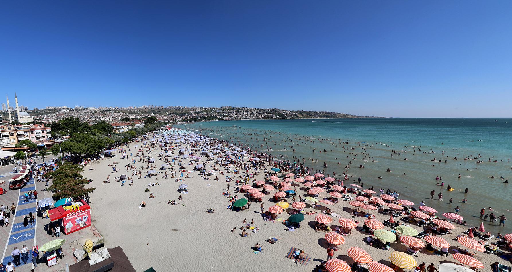 """Büyükçekmece'nin plajları """"Mükemmel"""" nitelikte"""