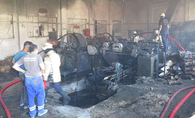 Talaştan izolasyon malzemesi üretilen fabrikada yangın