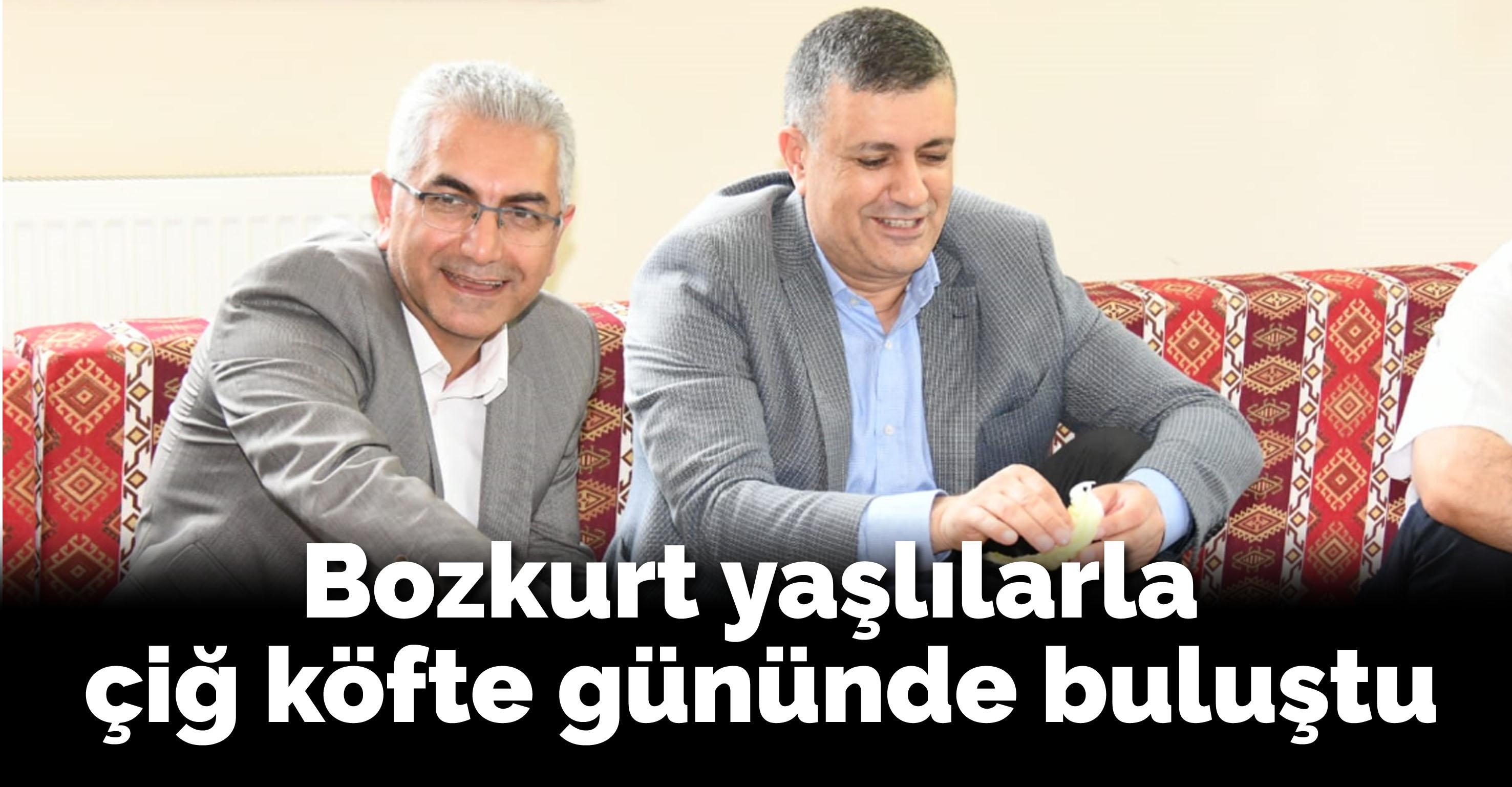 Başkan Bozkurt yaşlılarla çiğ köfte gününde buluştu