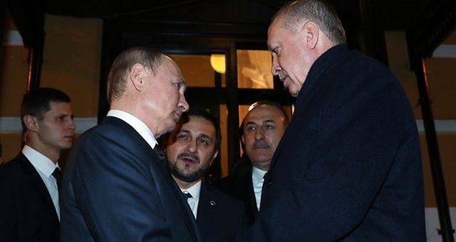 Putin, basın toplantısının ardından Cumhurbaşkanı Erdoğan'ı kapıya kadar uğurladı