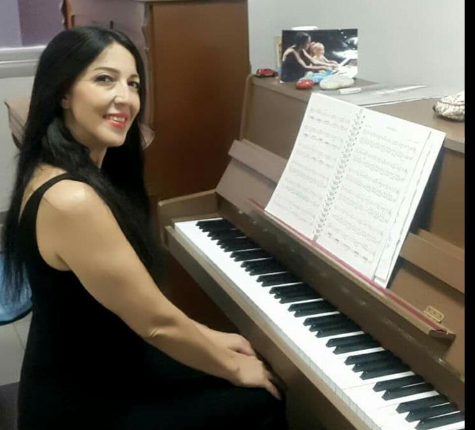Müziğin Umuda Dokunuşu Proje Genel Koordinatörü Nilüfer Güzel'den 23 Nisan Mesajı( Özel Haber)