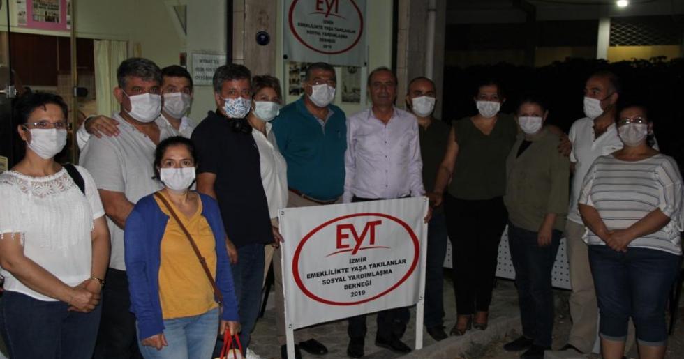 CHP İzmir Milletvekili Sındır'dan EYT Sosyal Yardımlaşma Derneği'ne Ziyaret