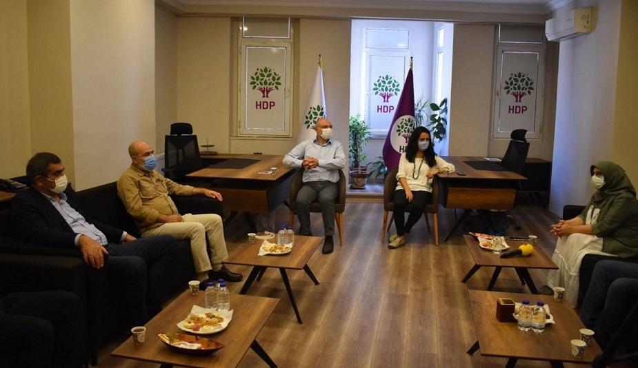 CHP'den HDP'ye destek ziyareti!