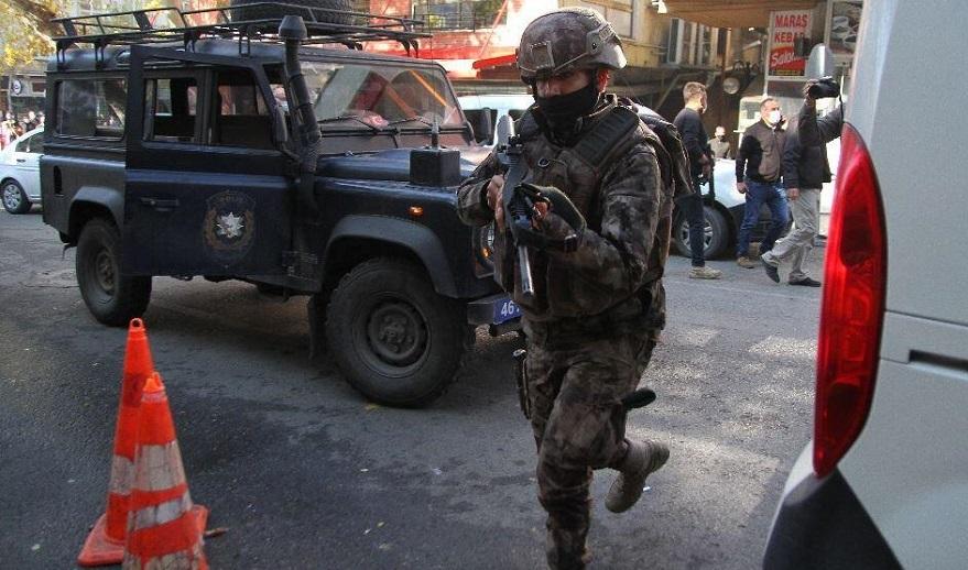 Polis ekibine silahla ateş edildi: 1 şehit, 1 yaralı