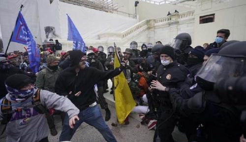 ABD'de kaos! Barikatları aşıp Kongre'ye girdiler