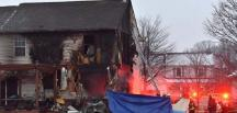 ABD'de küçük bir uçak evin üzerine düştü: 3 ölü