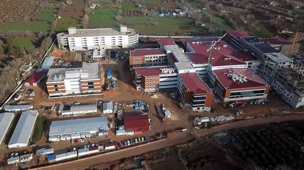 AB Büyükelçisi Nikolaus Meyer-Landrut, Kilis'te inşası devam eden devlet hastanesinin şantiyesini ziyaret etti
