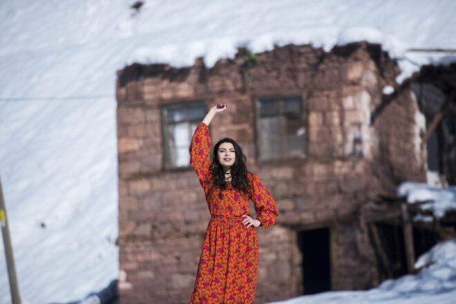 Munzur dağında Duygu Çakmak'tan muhteşem moda çekimi