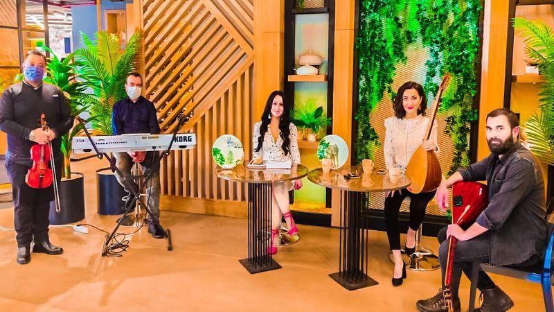 'Burcu ile Az Şekerli'… Burcu Ersen'in hazırladığı ve sunduğu televizyon programı yayında!