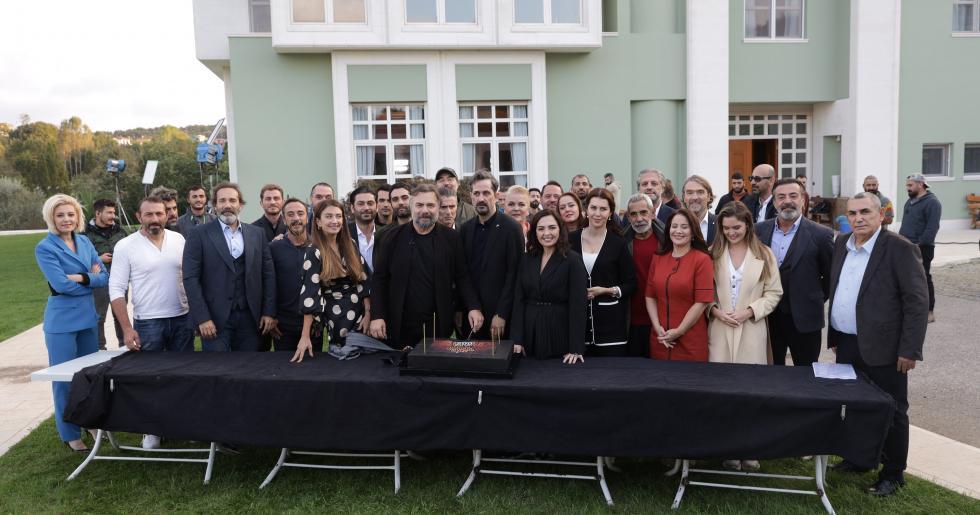 Eşkiya Dünyaya Hükümdar Olmaz 200. bölüme özel kutlama yaptı